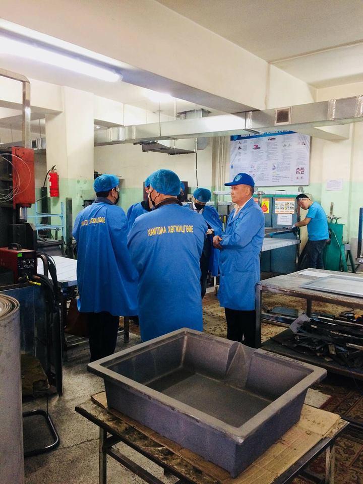 Монгол японы төвийн Японы мэргэжилтнүүд Чиглэл компанийн байранд хүрэлцэн ирж компанийн болон үйлдвэрлэлийн үйл ажиллагаатай танилцлаа