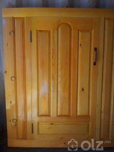 Гар сийлбэртэй хаалга тооно