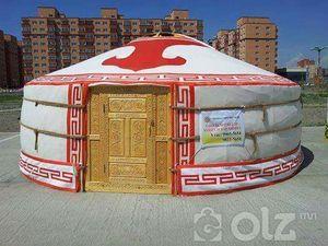 Гар сийлбэртэй Монгол гэр