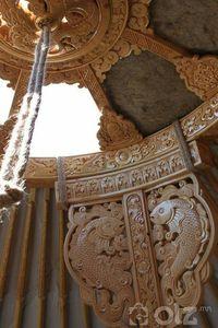 Гар сийлбэртэй гэрийн багана
