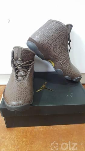 Air Jordan size 42
