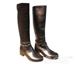 Эмэгтэй арьсан гутал