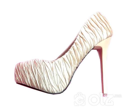 өсгийт гутал