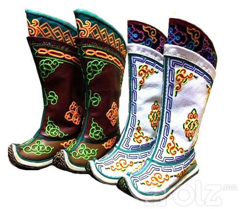 Зүү ороож урласан Эмэгтэй монгол гутал
