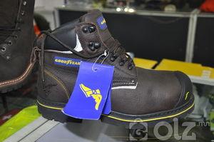 Арьсан хурууны хамгаалалттай гутал