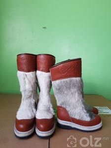 Үхрийн арьсан, эмэгтэй гутал