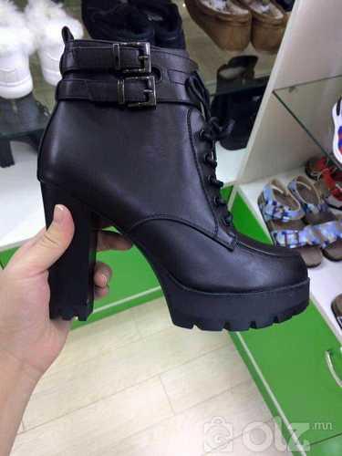 өсгийтэй өвлийн гутал