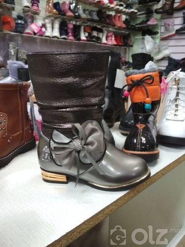 Эмэгтэй хүүхдийн гутал