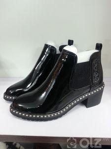 эмэгтэй лакан гутал