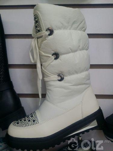 Түрийтэй цасны гутал