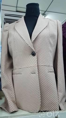 эмэгтэй пиджак