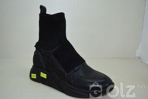 Пүүзэн гутал