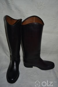 Цэвэр арьсан түрийтэй гутал
