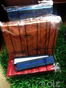 Үзэгнмй хайрцаг