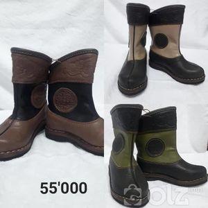 Монгол хүүхдийн гутал