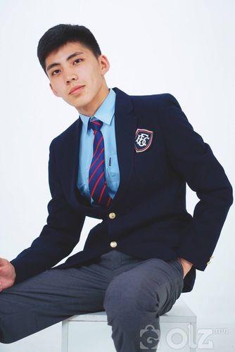 Эрэгтэй ахлах анги дүрэмт хувцас