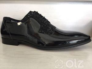 Гоёлын лакан ботинк