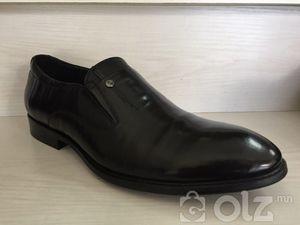 Цэвэр арьсан ботинк