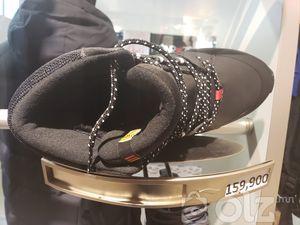 Дотортой ѳлийн пүүзэн гутал