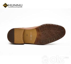 Монгол арьсан ботинк
