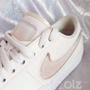 Nike kет