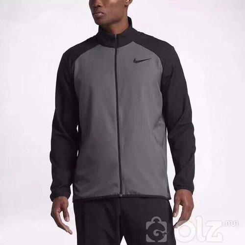 Nike tsamts