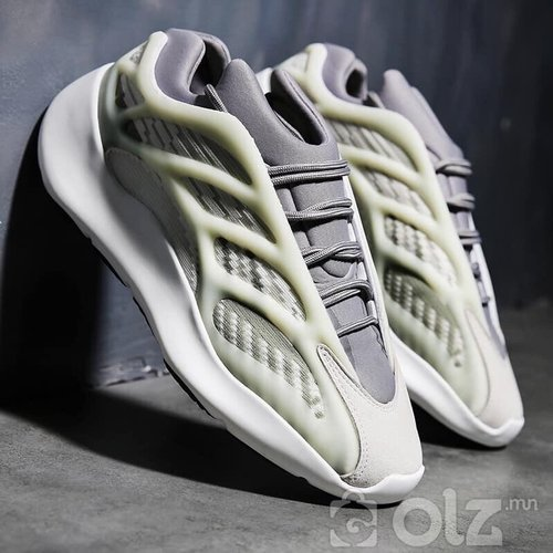 adidas yeezy 700v3